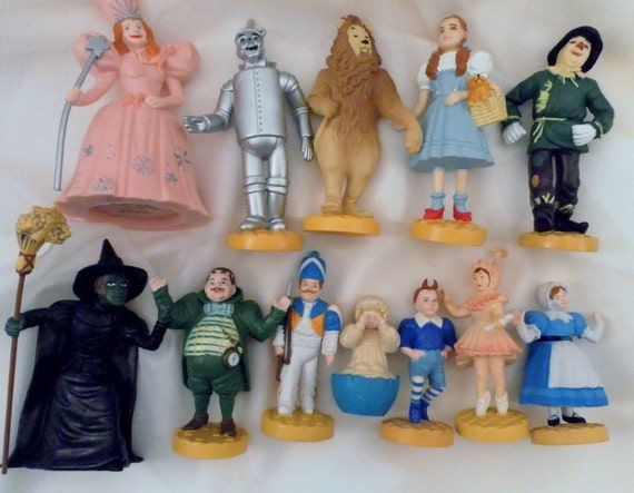 Reserved For Karen: Vtg 1987-1988 Full Complete 12 Turner Macau Presents Figure Set.  Wizard of Oz 3.5 Inch Figures