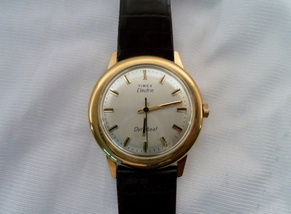 Vintage 1970's Timex Dynabeat Watch.  Goldtone, Silver Face Gold & Blk Dial, Brown Leather Band.  Very Nice.