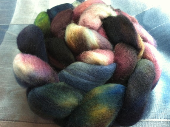 Hand Dyed Merino Wool Roving Combed Top Spinning Fiber  -  4.5oz - 19MM026