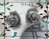 Petite Garden Rose stud earrings - Grey tone