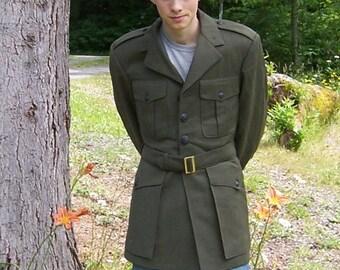 Vintage 1960s Era Genuine United States Marine Corps. Service Alpha O.D. Green Wool Jacket Size 39R