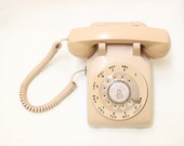 Working Condition Vintage Rotary Phone in Vintage Pink Color.