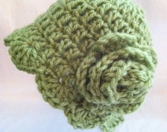 Crochet Hat with Flower, Newborn Hat, Cozy Crochet Baby Hat in Apple Green, Christmas, Autumn, Photo Prop, Hat with Flower