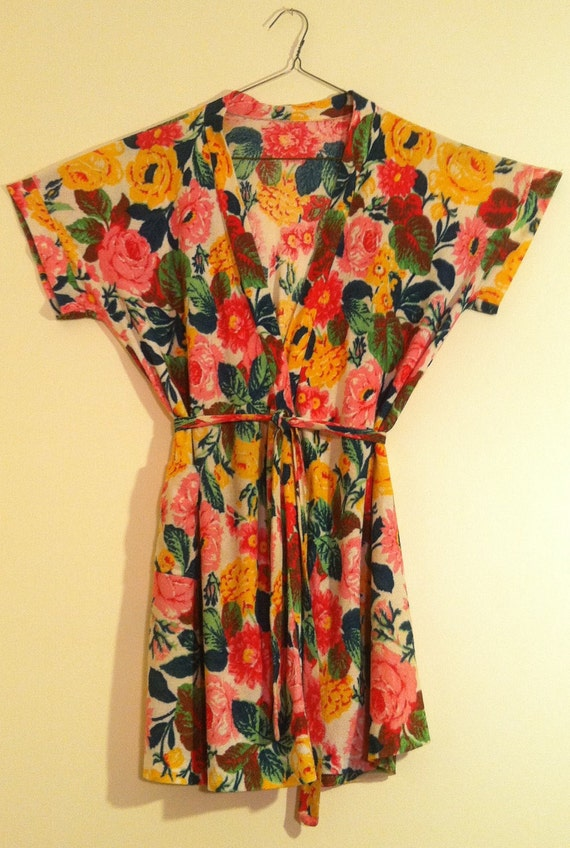 Bright Floral Terry Cloth Robe 1970's Beach Cover-up S/M