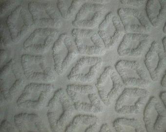 "HOFMANN Supertuft Warm White DIAMONDS or STARS Vintage Chenille Bedspread Fabric - 18"" X 25"" - #1"