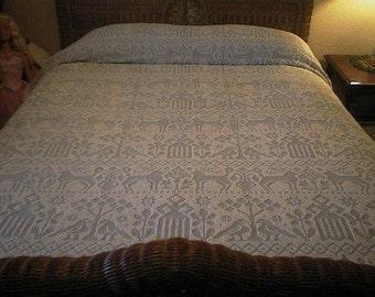 SALE - Fieldcrest BLUE Folk Art Design Vintage Hobnail Chenille Bedspread - Free Shipping