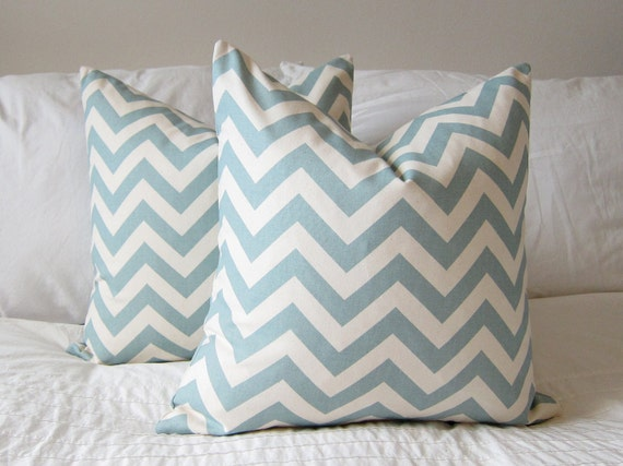 "New 20"" x  20"" Village Blue/Natural Chevron Throw Pillow Cover"