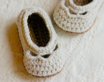 CROCHET PATTERN 109 - Crochet Baby Booties Pattern - PDF Instant Download - baby sizes - baby shoe pattern - slipper pattern - L