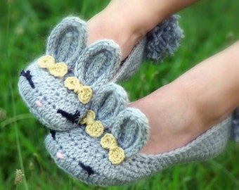 Women's Slippers The Classic Year-Round Bunny House Slipper PDF crochet pattern - Women's sizes 5 - 10 - Pattern 212 Instant Download  kc550