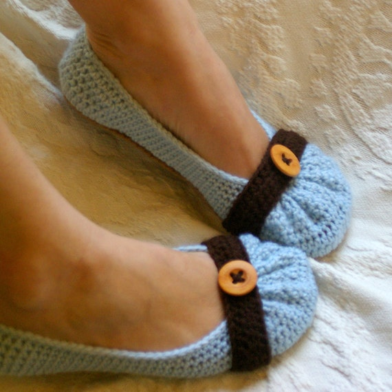 Women's House Slipper Crochet Pattern for the Cute as a Button PDF  Pattern number 111 - Instant Download L
