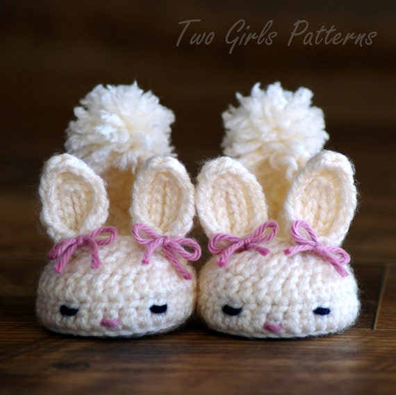 CROCHET PATTERN #204 Baby booties Bunny Slipper  -  Instant Download Classic Year-Round Bunny House Slippers  kc550