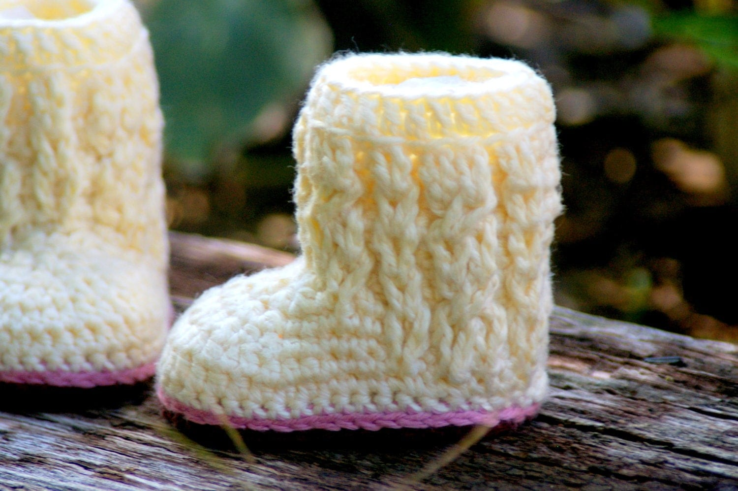 Baby shoe crochet pattern for baby cable boots pattern number zoom bankloansurffo Choice Image