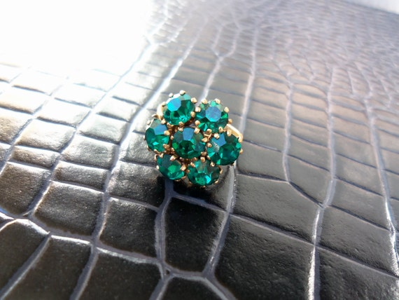 Emerald Green Rhinestone Vintage 1960's Ring Collectible Jewelry