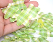 25 Spring Green Padded Gingham Plaid Scallop Edge Star Applique