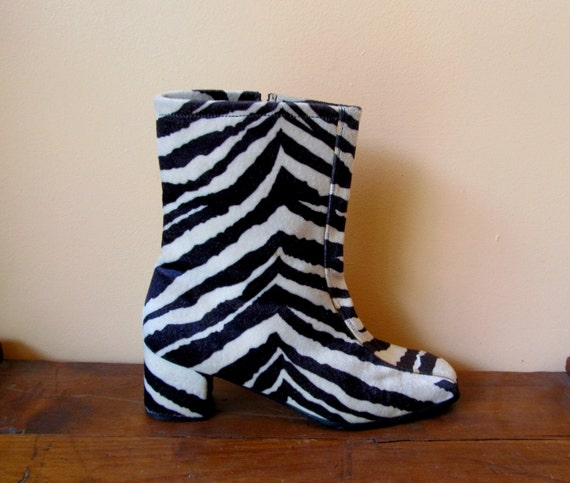 90's ZEBRA FUR vintage Blk White Striped Chunky Punk Zip Up Boots 8.5