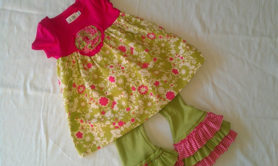 T-shirt dress with ruffled leggings size 12 months