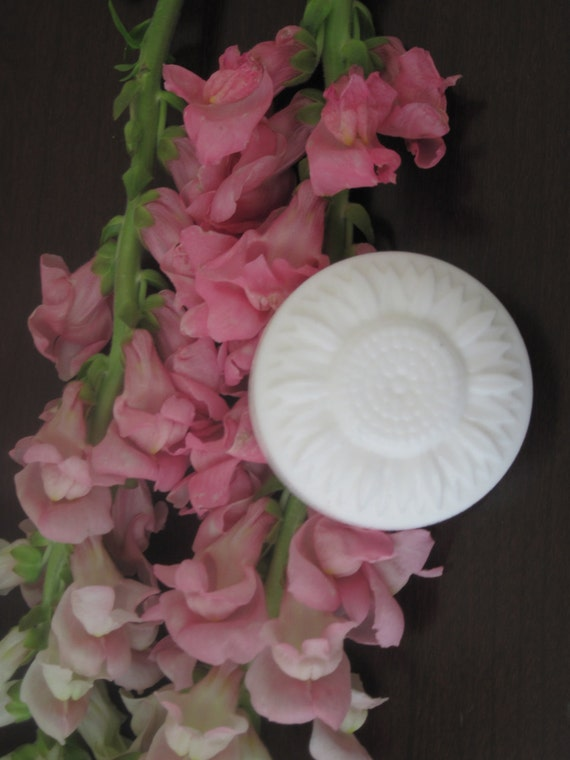 Mother's day Luxury Scented Goat's Milk Soap