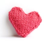 Heart pin brooch hand knitted in bubblegum pink valentines heart
