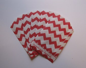 "Set of 20 Red and White Chevron Bitty Bags (2.75"" x 4"")"