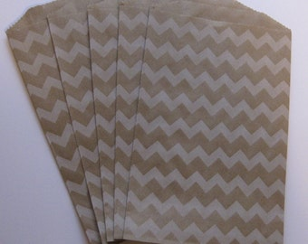 "Set of 20 Soft White Chevron Design on Kraft Middy Bitty Bags (5"" x 7.5"")"