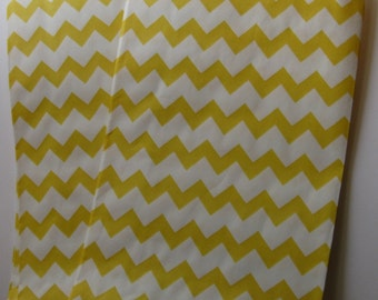 "Set of 10 Yellow and White Chevron Design Middy Bitty Bags (5"" x 7.5"")"