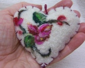 """Needle felted brooch or ornament / """"Forget me not"""" heart / Mothers Day ornament or brooch in pink and red"""