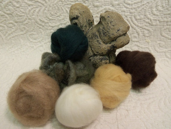 Wooly Buns loose wool roving assortment for needle felting or spinning in Grasshopper, 1.5 oz