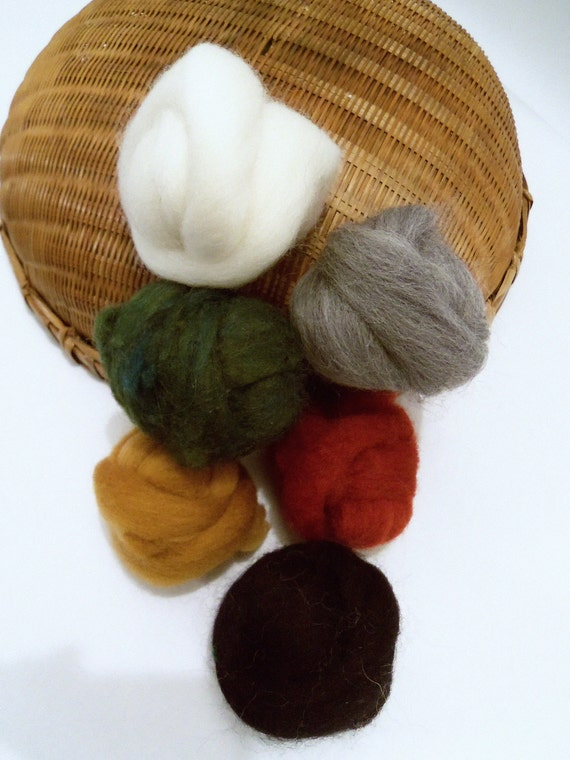 Wooly Buns Christmas fiber assortment for needle felting, holiday colors