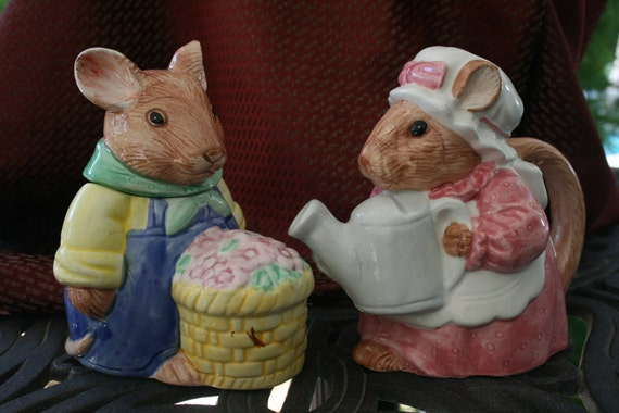 Ceramic Sugar and Creamer Mice Easter Table