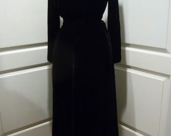 Vintage Black Velvet Skirt & Top Outfit fitted top, flared mid-calf skirt size 8-10
