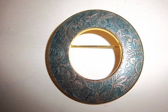 Vintage Round Teal Enamel Paisley Pin