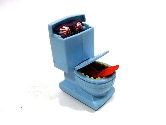 Amazing Ghostbuster Toilet Monster toy rare 1990