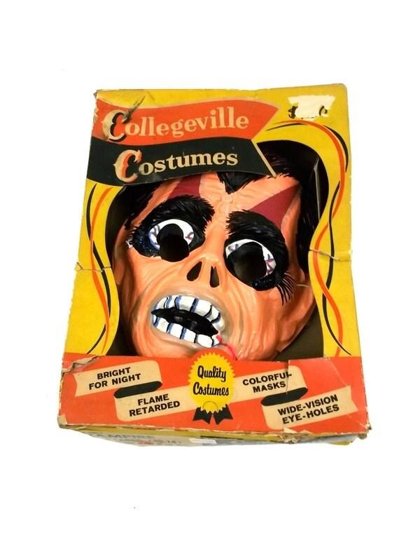 VAMPIRE Monster // Vintage Halloween Costume Mask // Plastic Collegeville Ben Cooper style // 1950s 1960s