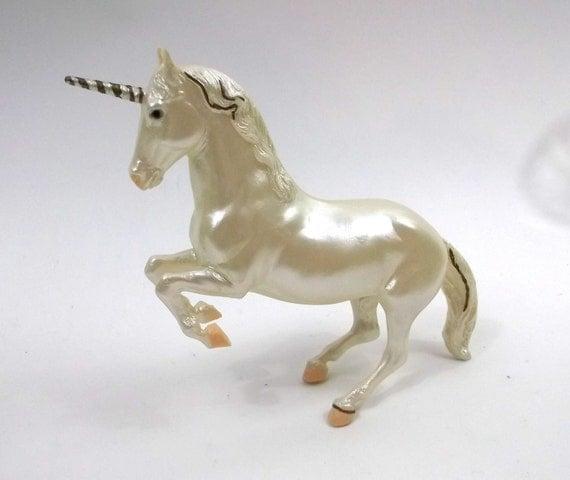 Breyer Unicorn // Vintage Glossy Horse/ Equine / equestrian Fantasy Toy // 1980s