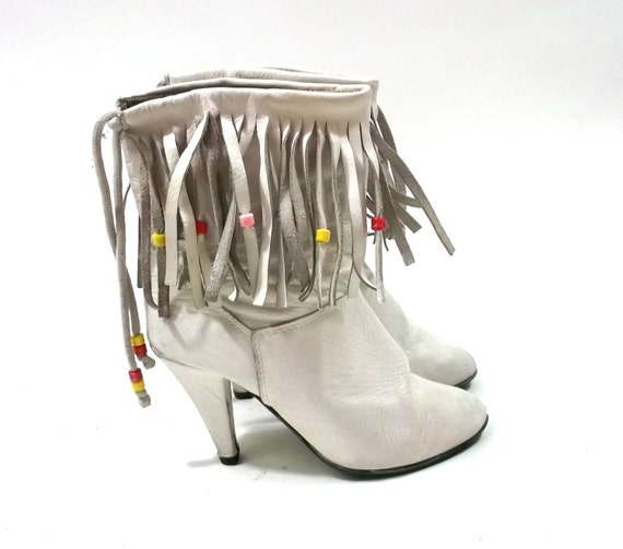White Tassle Fringe // Leather Cowboy Cowgirl Boots // womens size 8 1/2 euro 39 // vintage shoes // western 1980s // punk new wave