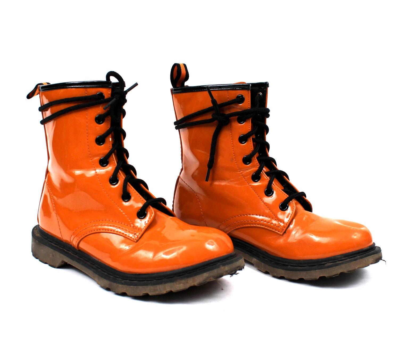 Vintage 1990s Shoes / 90s Evergreen Spectator Pilgrim ... |1990s Womens Boots