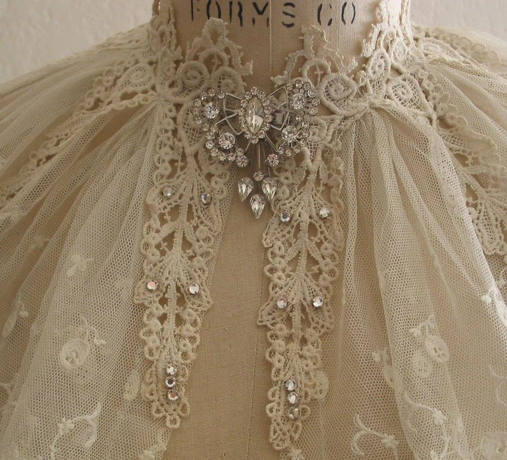 Vintage Lace Collar Capelet Wedding Dress