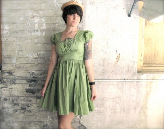 pistachio ice cream. cute green 90s sun dress.