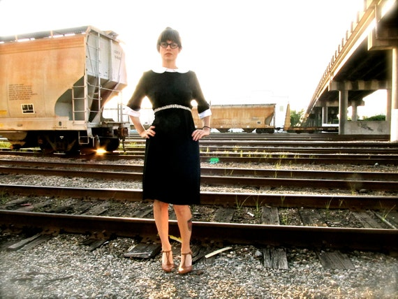 wednesday addams. vintage 60s little black dress with white peter pan collar. size m/l.