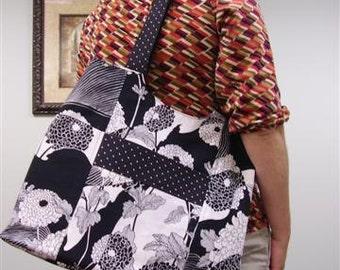 Large black and white floral shoulder bag - P02