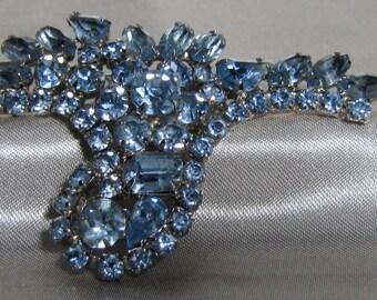 1960's Vintage Blue Rhinestone Brooch