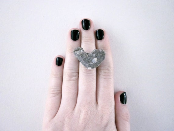 heart shaped rock ring, adjustable ring