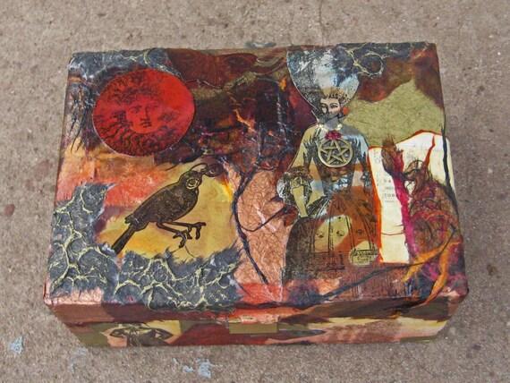 Stagecoach Debutante Jewelry Box
