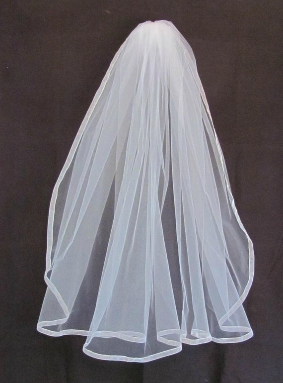 Ivory Single Layer Full Fingertip Veil with Organza Ribbon Trim
