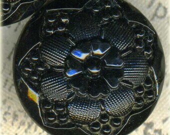 Lovely Set of 6 Vintage Black Glass Flower Picture Buttons ~ 11/16 inch 18mm ~ Le Chic Backmark ~ Floral Sewing Buttons