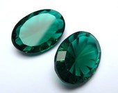 2 glass jewels,18x13mm, green, oval