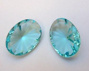 2 glass jewels, 18x13mm, aqua, oval