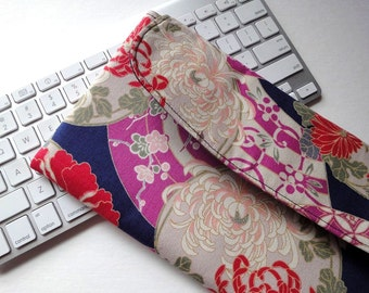 Apple Wireless Keyboard Sleeve Case Cover Padded Flap Closure Kimono pattern fabric chrysanthemum navy