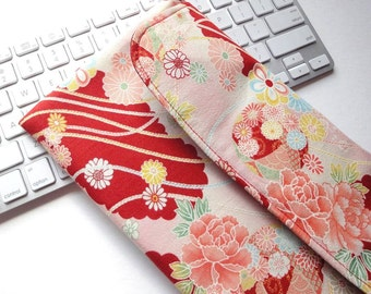 Apple Wireless Keyboard Sleeve Case Cover Padded Flap Closure Kimono pattern fabric chrysanthemum red