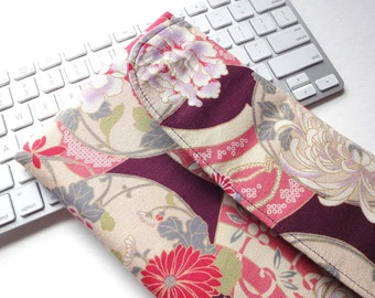 Apple Wireless Keyboard Sleeve Japanese keyboard Case Cover Kimono pattern fabric chrysanthemum purple